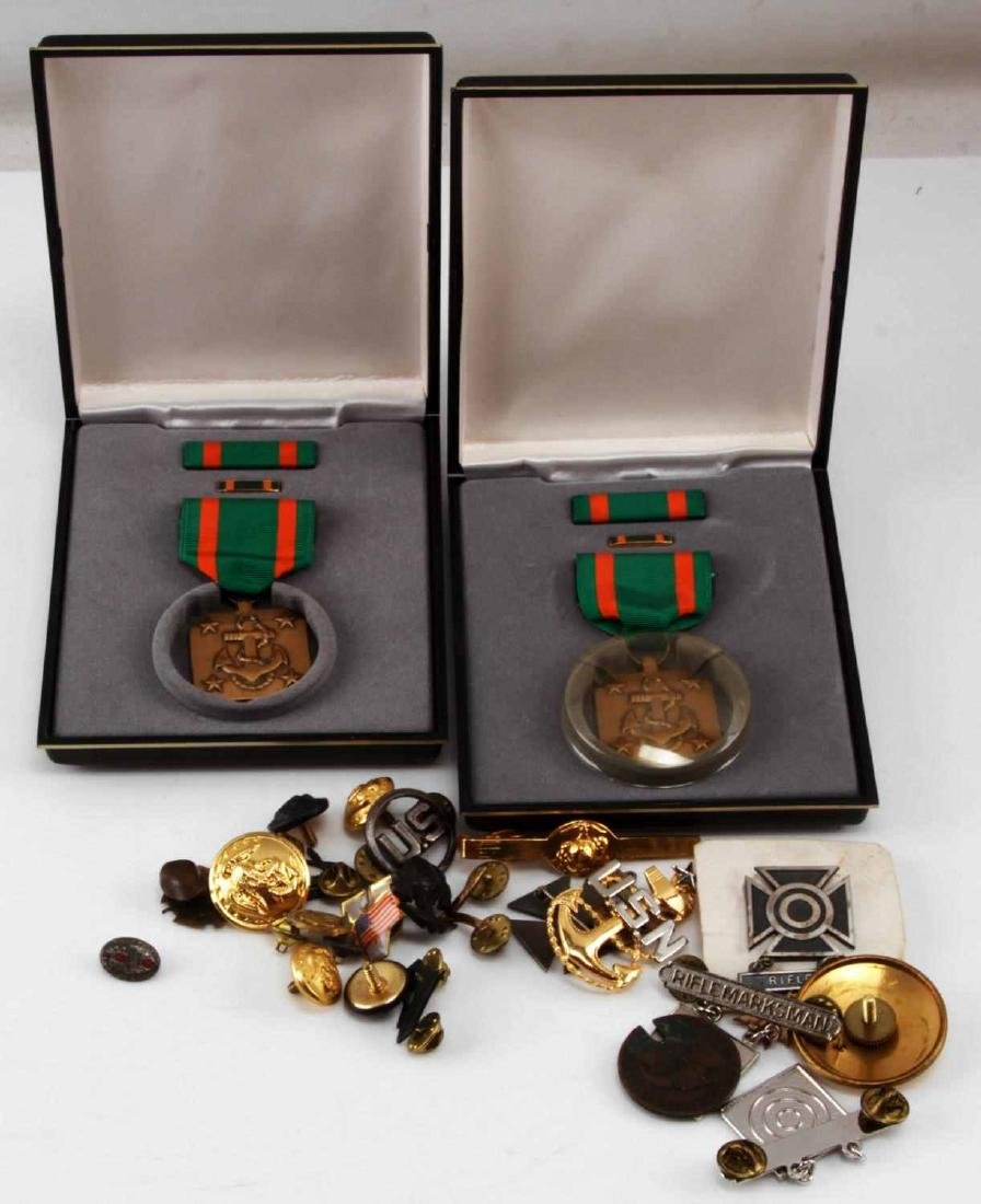 COLLECTION OF MISC MILITARY PINS BUTTONS & CLASPS