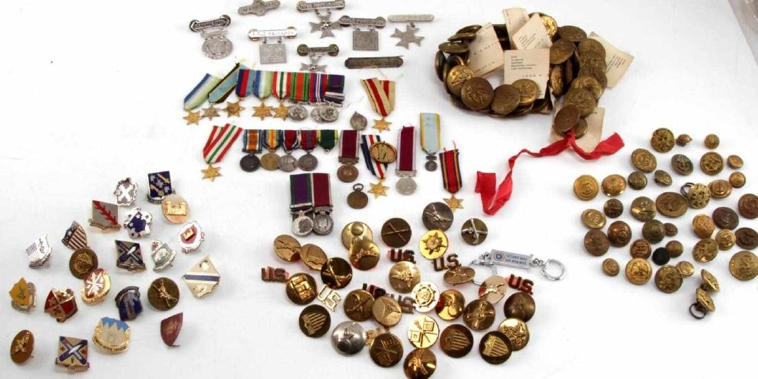 MILITARY LOT OF MISC COLLAR DUI PINS & MINI MEDALS