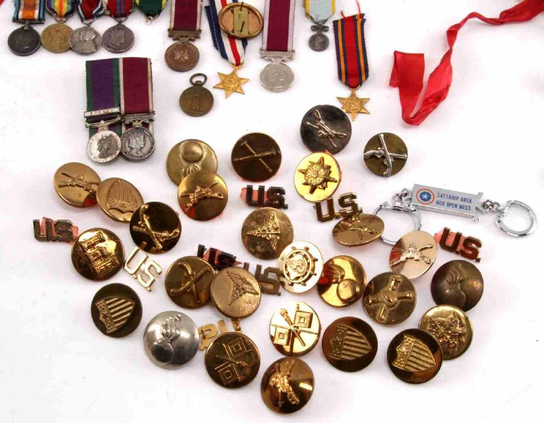 MILITARY LOT OF MISC COLLAR DUI PINS & MINI MEDALS - 5