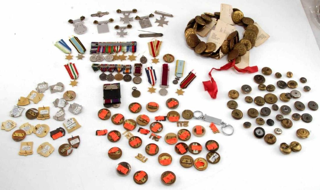 MILITARY LOT OF MISC COLLAR DUI PINS & MINI MEDALS - 7