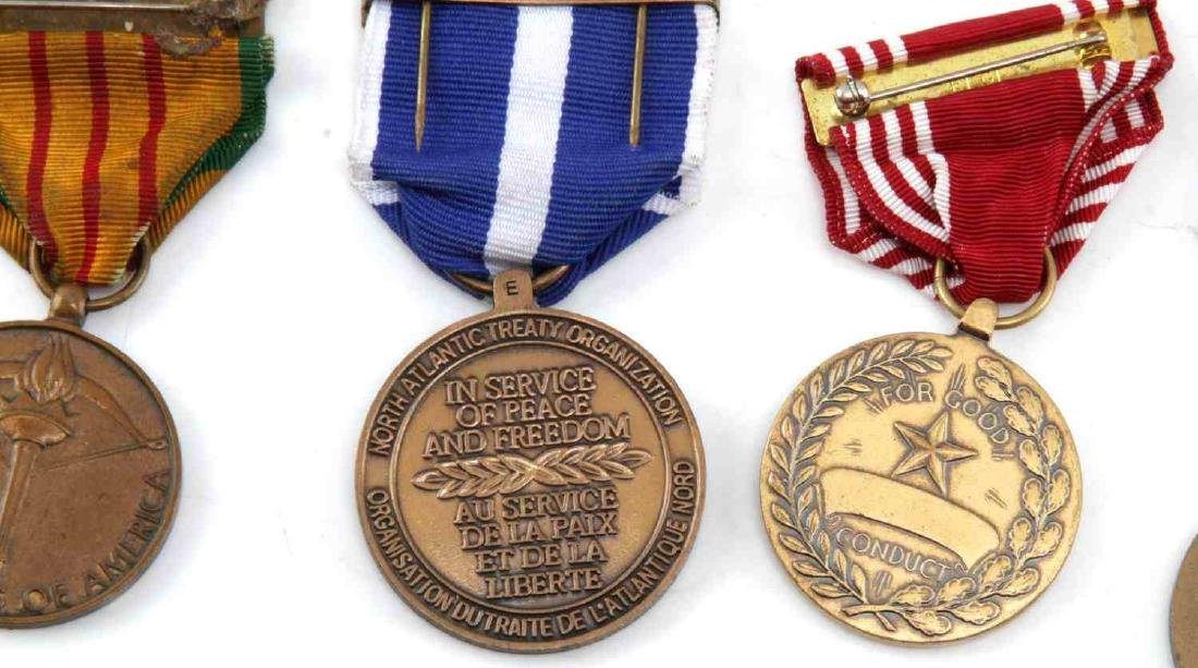 LOT OF MILITARY RIBBONS WWII VIETNAM TO PRESENT - 6