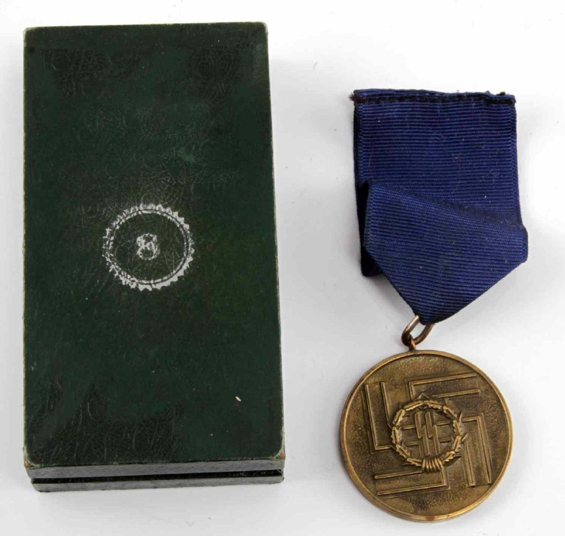 WWII GERMAN THIRD REICH SS 8 YEAR MEDAL W BOX