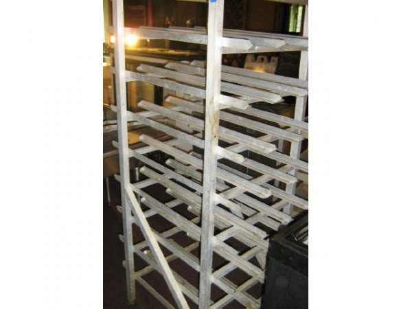 NEW AGE COMMERCIAL RESTAURANT CAN DRY GOODS RACK
