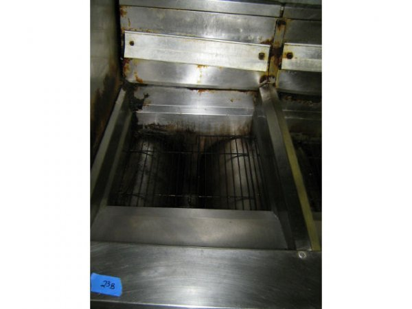 FRYMASTER 3 COMPARTMENT DEEP FRYER COMMERCIAL