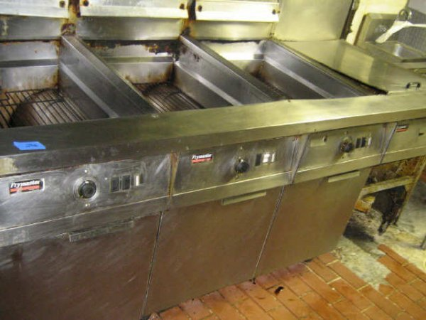 FRYMASTER 3 COMPARTMENT DEEP FRYER COMMERCIAL - 3