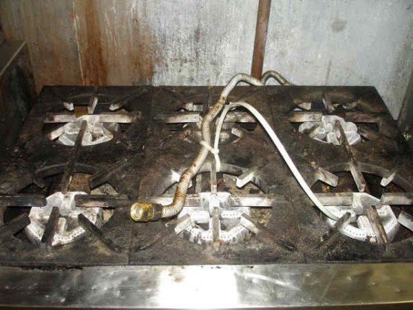 WOLF 6 BURNER COMMERCIAL NATURAL GAS STOVE RANGE - 2