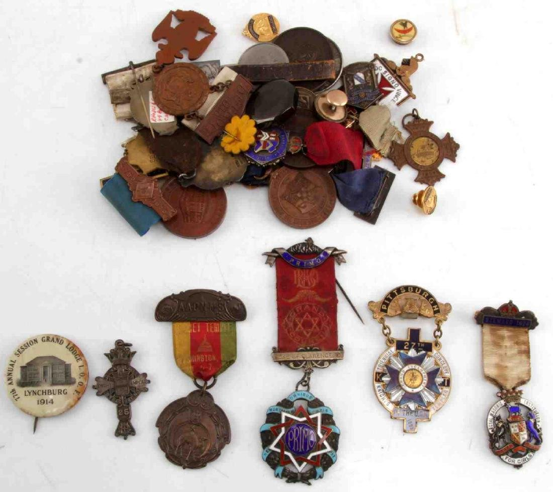 COLLECTION OF ANTIQUE MASONIC & FRATERNAL MEDALS