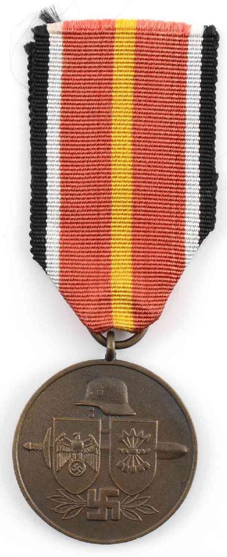 WWII GERMAN SPANISH VOLUNTEER BLUE DIVISION MEDAL