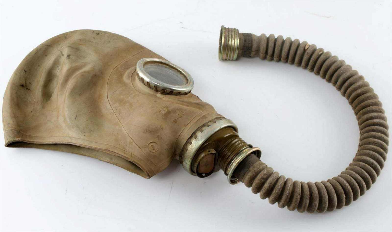 WWII ERA SOVIET RUSSIAN SURPLUS GAS MASK WITH HOSE