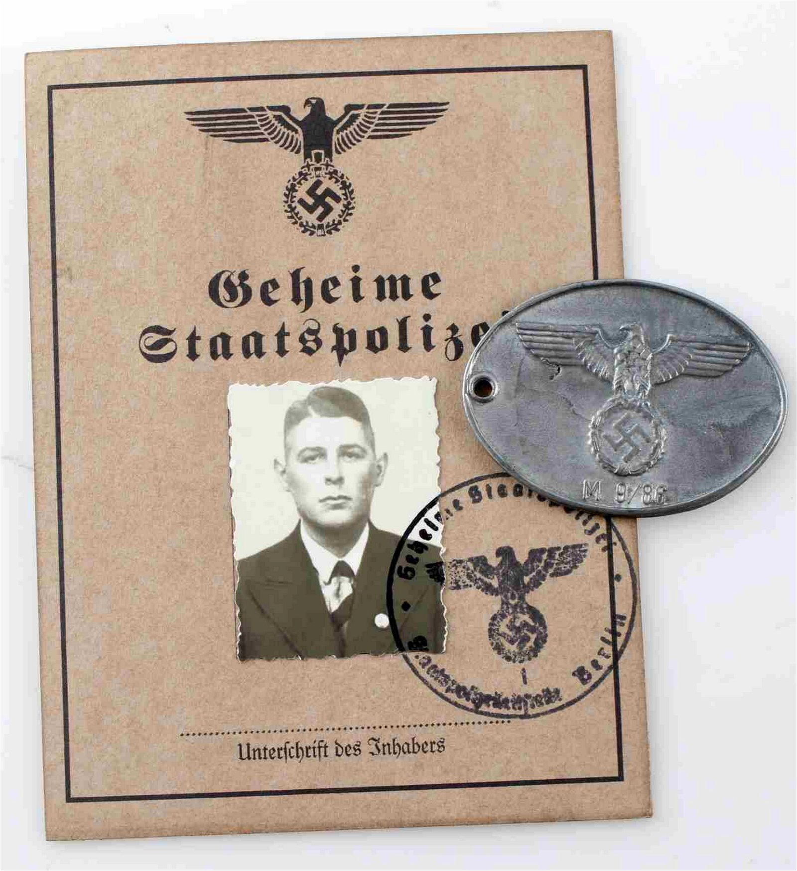 WWII GERMAN THIRD REICH GESTAPO AUSWEIS & ID BADGE
