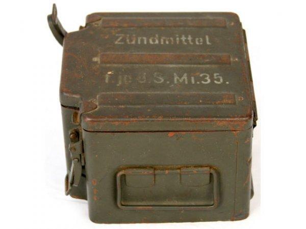WWII GERMAN AMMO BOX ZUNDMITTEL Mi 35