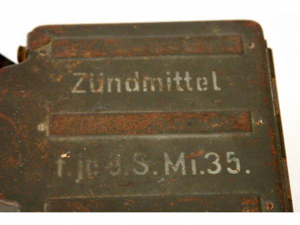 WWII GERMAN AMMO BOX ZUNDMITTEL Mi 35 - 2