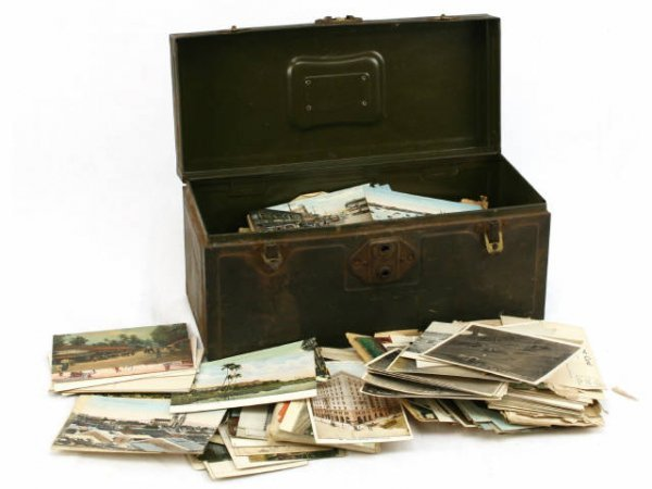 ESTATE LOT OF 1900'S POSTCARD COLLECTION 100'S