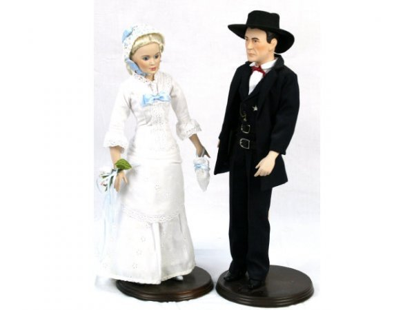 COLLECTORS EDITION GARY COOPER & GRACE KELLY DOLLS
