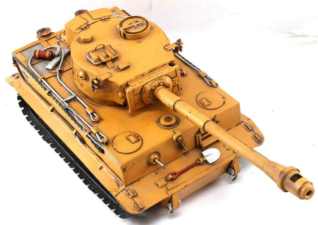 WWII GERMAN PANZER VI TIGER TANK MODEL TOY
