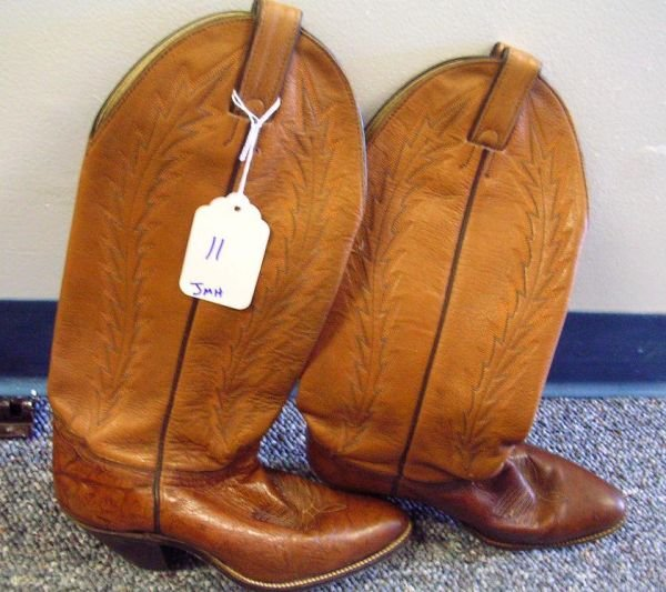 11: WOMANS COWBOY BOOTS ABILENE BOOT  BROWN  SIZE 7