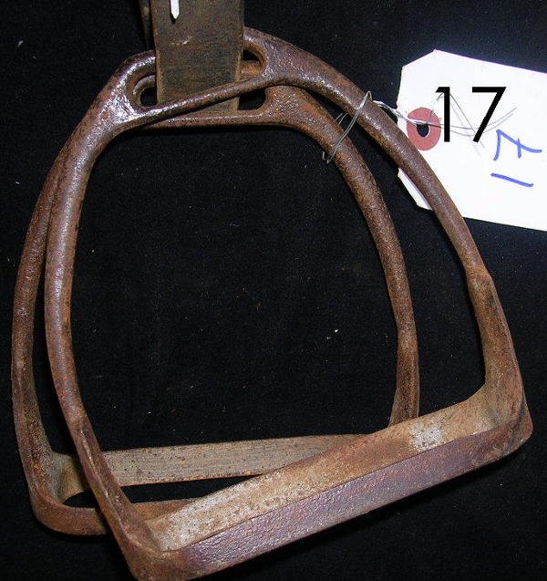 17: ANTIQUE KNIFE EDGE STEEL STIRRUPS GOOD COND