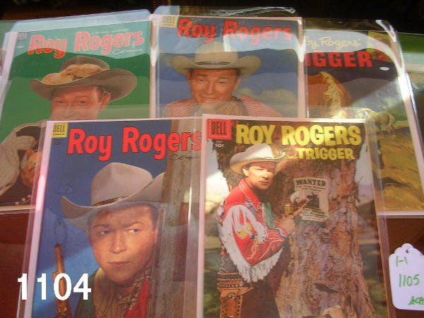 401104: ROY ROGERS AND TRIGGER COMIC BOOKS DELL LOT OF