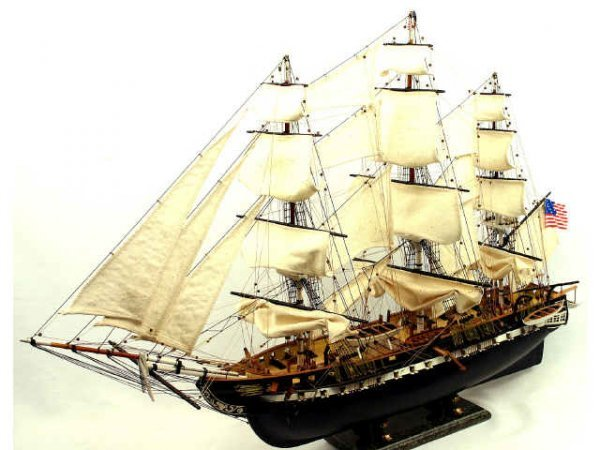 USS CONSTITUTION WOOD SAIL BOAT MODEL 40 X 26