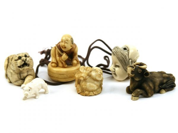 ANTIQUE IVORY KATABORI NETSUKE COLLECTION SIGNED