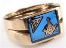 MASONIC 10 K GOLD SIGNET RING W DIAMOND