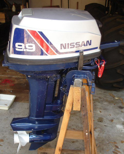 NISSAN 9.9 OUTBOARD MARINE MOTOR