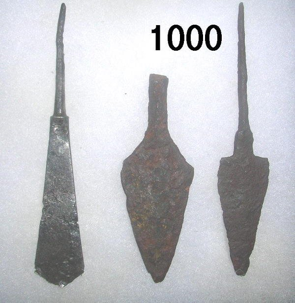 301000: LOT OF 3 GREEK ARROWHEADS + EDWARD I PENNY