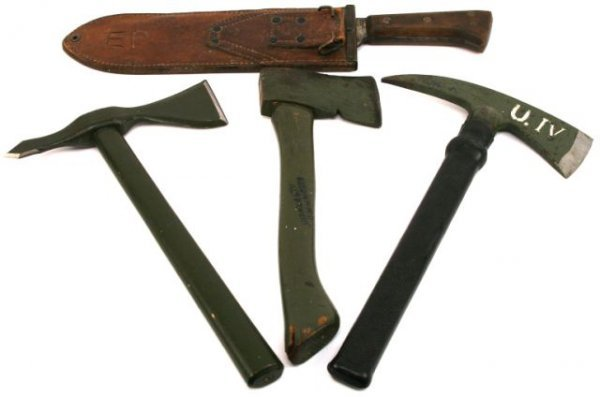 U.S.M.C. BOLO FIGHTING KNIFE PLUS AXES