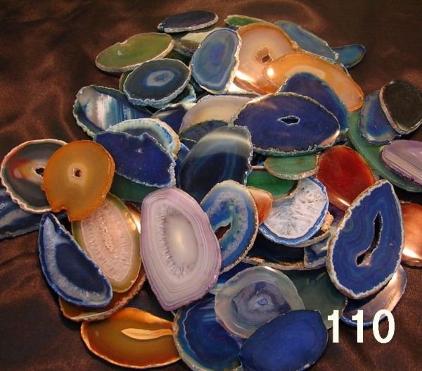 50110: LARGE LOT OF AGATE SLICES COLLECTION OF COLORS A