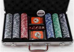 HOOTERS SILVER ANNIVERSARY POKER SET CHIPS CARDS