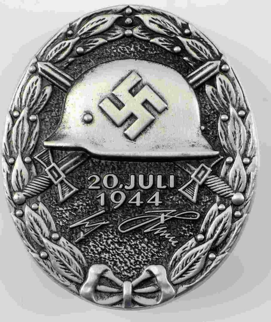 GERMAN WWII SILVER ADOLF HITLER WOUND BADGE