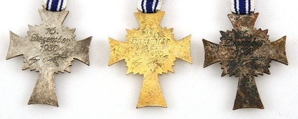 WWII GERMAN MOTHERS CROSS LOT – BRONZE SILVER GOLD - 3