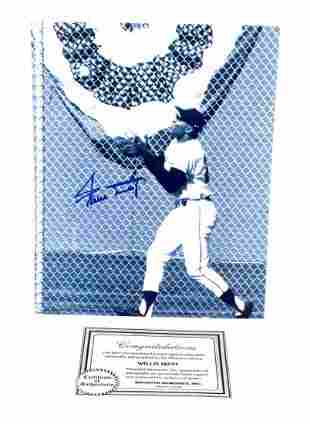 AUTOGRAPHED WILLIE MAYS GIANTS PHOTOGRAPH WITH COA