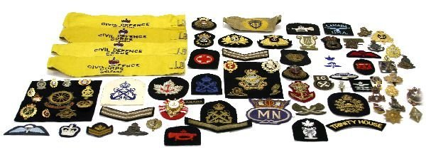 MIXED LOT OF BRITISH COMMONWEALTH MILITARY BADGES