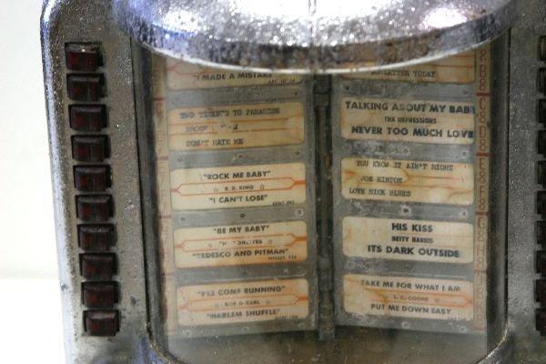 1960's WALL MOUNTED JUKE BOX - ROCK-OLA 1542 - 2