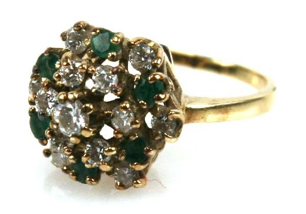 LADIES 14K GOLD DIAMOND & EMERALD CLUSTER RING