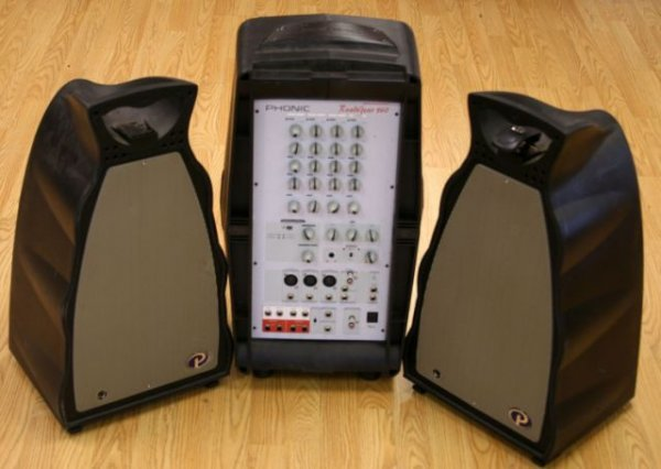 ROADGEAR 160 BY PHONICS PORTABLE SOUND SYSTEM