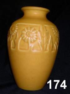 90174: ROOKWOOD ART POTTERY VASE 2591 1925 GOLD DAISY