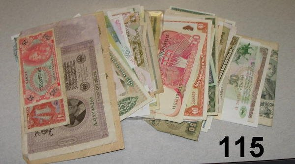 10115: LOT OF WORLD CURRENCY & BANKNOTES - HUGE VARIETY