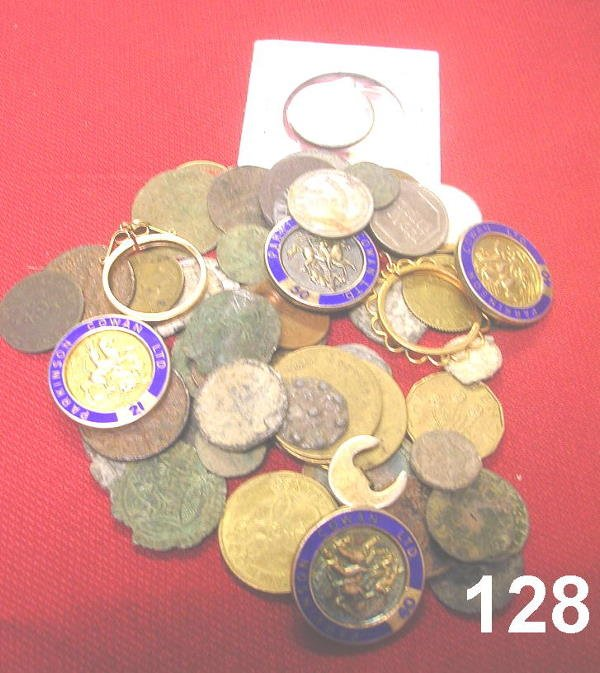 20128: PARA NUMISMATIC LOT OF RELIGIOUS MEDALS, TOKENS,