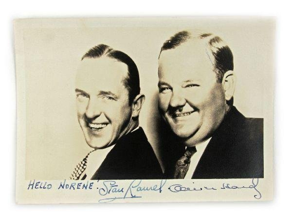 1944 AUTOGRAPHED PICTURE OF LAUREL AND HARDY