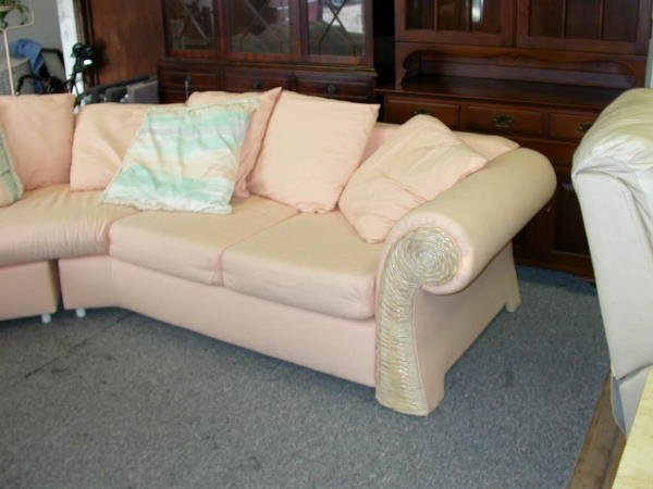 30238: VINTAGE SECTIONAL 2 PIECE PEACH COUCH SOFA - 3
