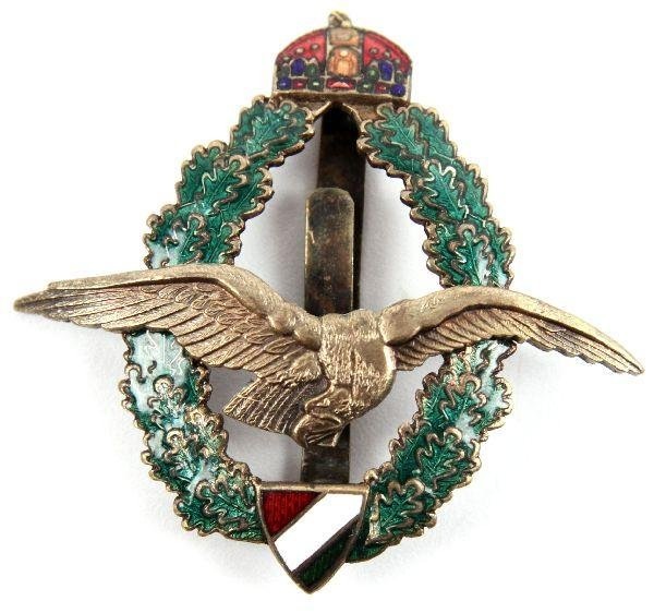 17: BULGARIAN ENAMELED WWI PILOTS BADGE