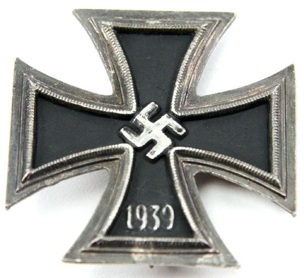 50: GERMAN WWII FIRST CLASS 1939 IRON CROSS