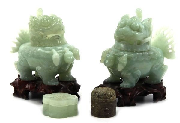 2019: CARVED CHINESE JADE FOO DOGS & 2 RETICULATED BOXE