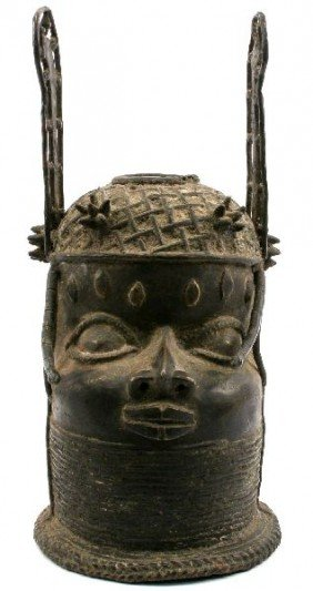 FINELY CRAFTED AFRICAN BENIN STYLE BRONZE OBA HEAD