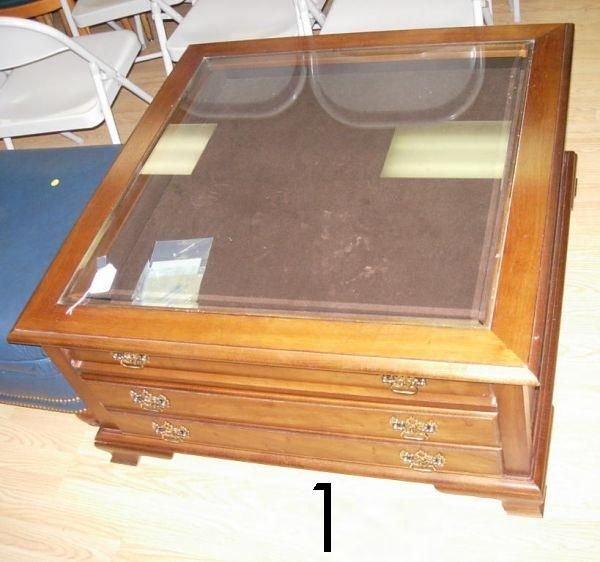 501: THOMASVILLE COFFEE TABLE DISPLAY CASE COFFEE TAB