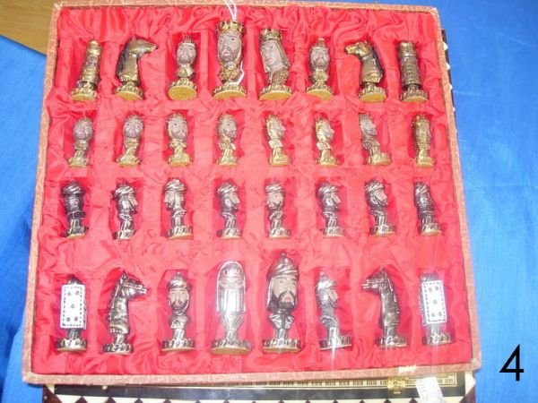 504: VINTAGE CHESS SET - MOORS VS CHRISTIANS - PAINTED