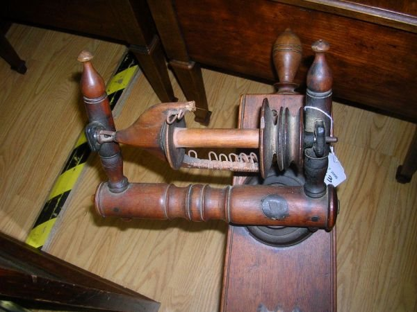 50243: ANTIQUE SPINNING WHEEL POSSIBLY AS EARLY AS 1700 - 2