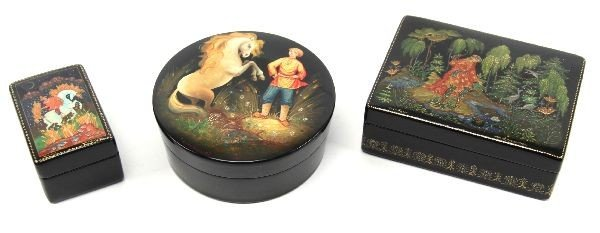 SIGNED HAND PAINTED RUSSIAN LACQUERED BOX LOT OF 3